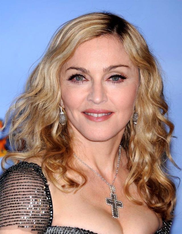 Madonna na rozdaniu Złotych Globów 2012, makijaże i fryzury gwiazd