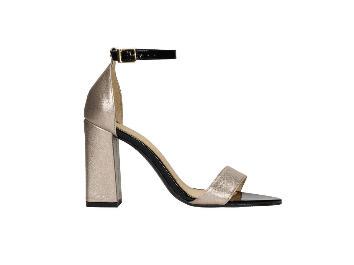 Sandały na słupku na lato 2019: eleganckie, ekstrawaganckie