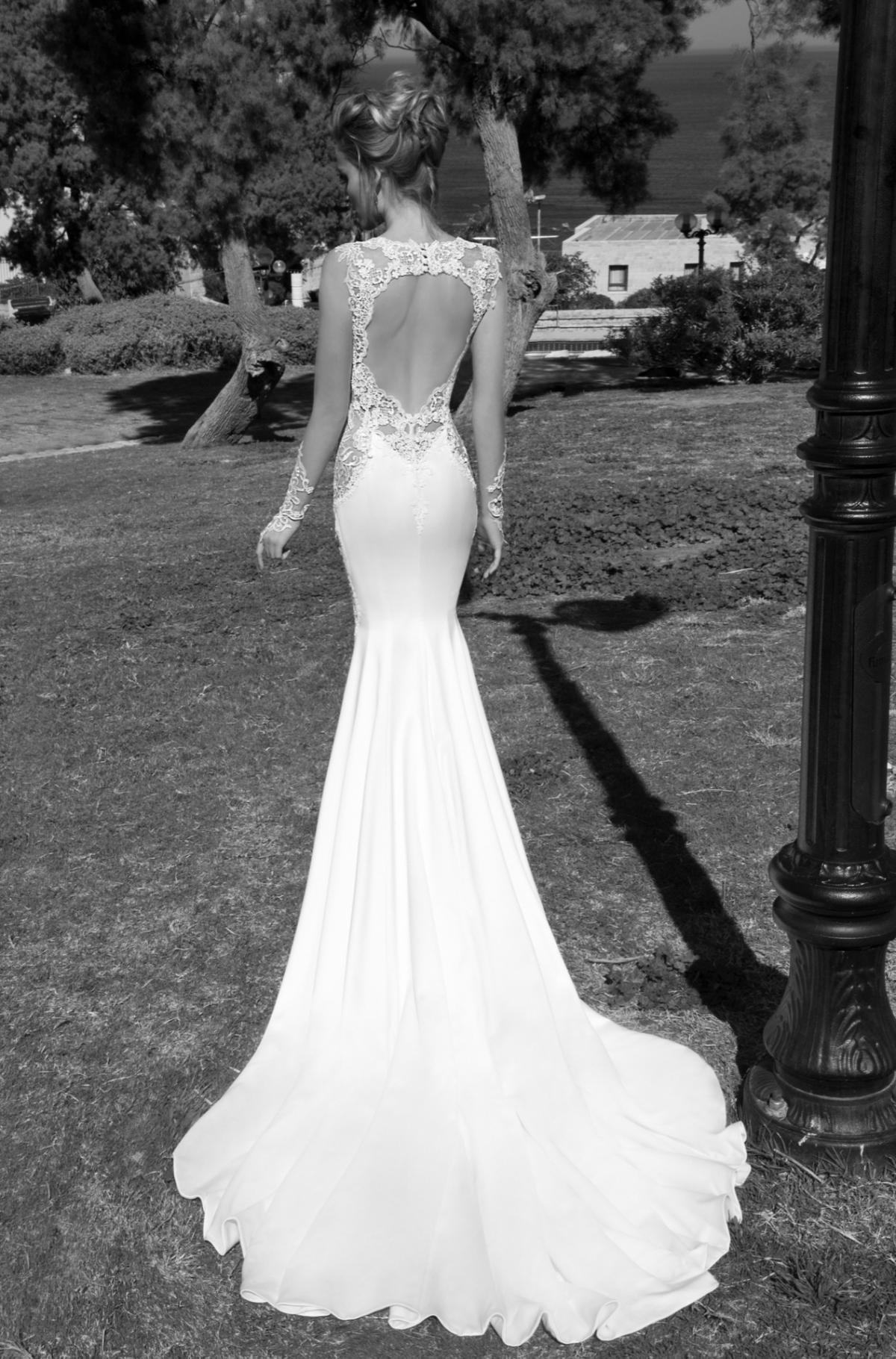 suknia ślubna Galia Lahav z odsłoniętymi plecami