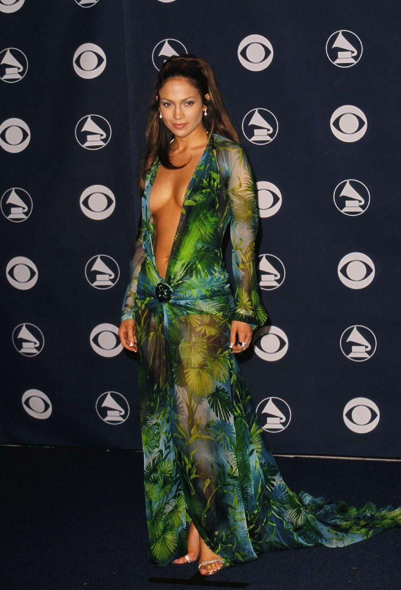 Zobaczcie najbardziej skandaliczne sukienki w historii