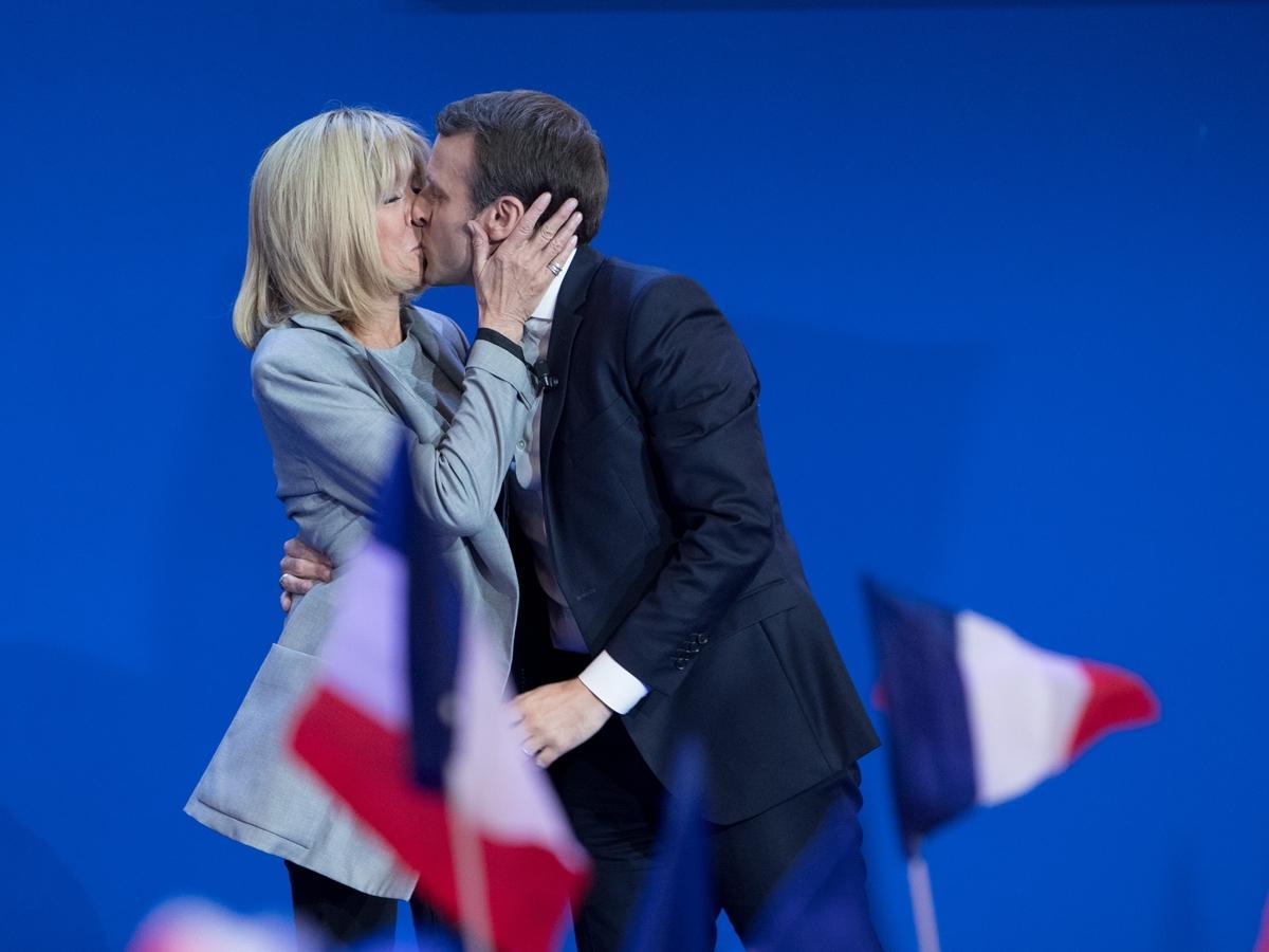 Żona prezydenta Francji jest od niego starsza o 23 lata, była jego... nauczycielką. Historią tego związku żyje teraz świat