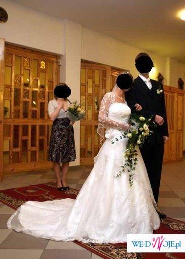 Bajeczna suknia ślubna Lisa Ferrera Cosmobella 7151 biała