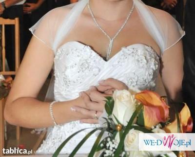 Cudowna suknia z kryształkami