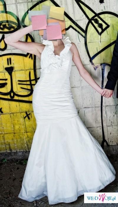 9211122f76 Seksowna suknia ślubna - przepiękna