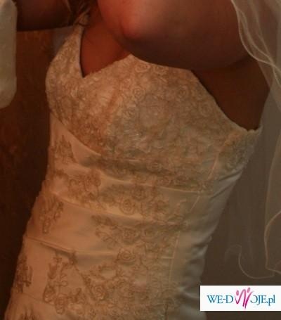 skromna suknia z salonu Marietta