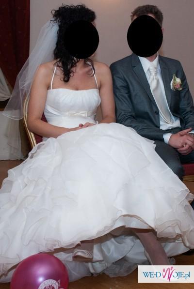 Śliczna suknia la sposa farbala
