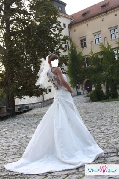 Sprzedam niepowtarzalną suknię ślubną.