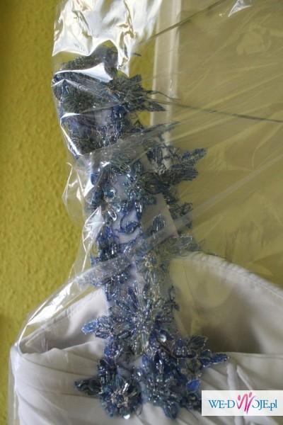 Sprzedam suknię śłubną z dodatkami w postaci koronki niebieskiej GRATIS BOLERKO