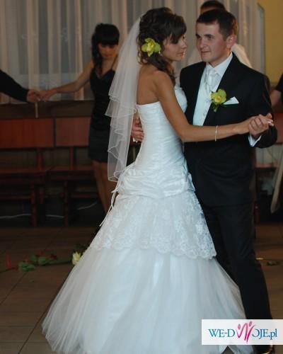 8003995d02 Sprzedam suknie ślubną z kolekcji emmi mariage model Astrid rozmiar 36-38