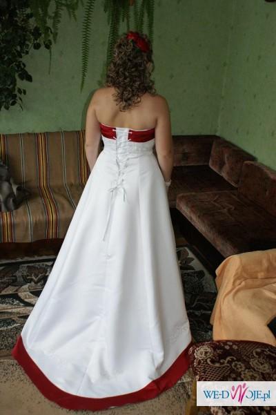 Suknia dla niebanalnej Panny Młodej roz. 36,38,40