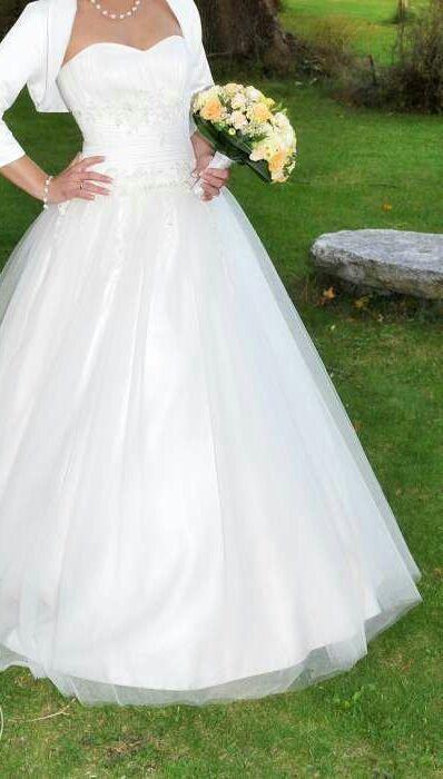 """Suknia ślubna typu""""princess"""""""