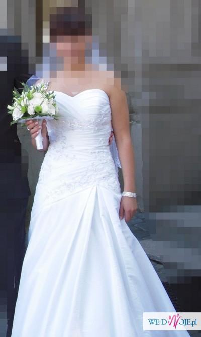 d9b9ce0d0b Suknia ślubna z kryształkami Swarovskiego do obejrzenia w salonie   quot CATHERINE quot !