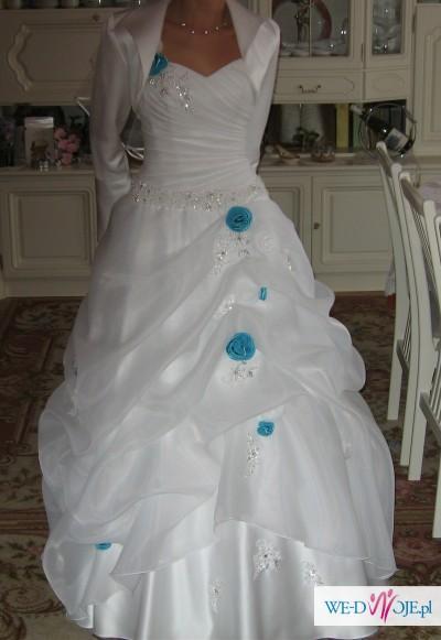 Inteligentny suknia ślubna z niebieskimi aplikacjami - Suknie ślubne - Zdjęcie QO43