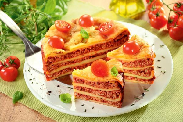 Tort naleśnikowy z mięsem