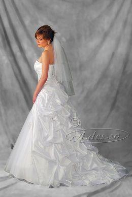 A.des.so suknie ślubne