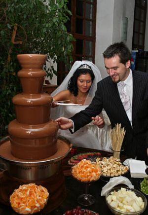 Czekolandia - Fontanny czekoladowe, alkoholowe, serowe!