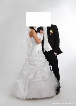 sprzedam suknie ślubna z bolerkiem i dodatkami gratis !