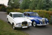Auto do ślubu zabytkowe, bukiety ślubne, dekoracje kościołów