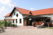 Biskupin, Karczma Biskupińska, Noclegi, Restauracja przy Muzeum Archeologicznym