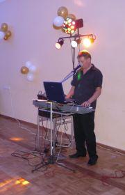 Mr. Music- solo wokalnie-instrumentalnie, lub jako DJ