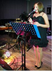 NA POPRAWINY - śpiew na żywo, wokalistka