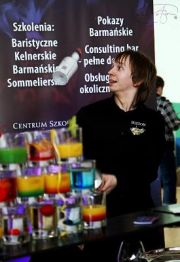 Pokaz barmanski, drink bar, barman Mariusz Grzesik