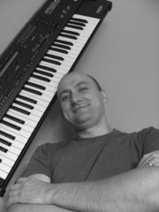 Śpiewający klawiszowiec