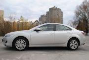 Unikatowe auto do ślubu i na imprezy – srebrna Mazda 6