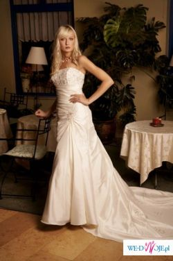 Annais Bridal - model Angela
