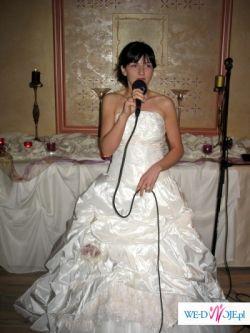 Bajeczna suknia Gala Mitsuki