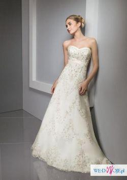 bajkowa suknia ślubna haftowana wyszywana koralikami