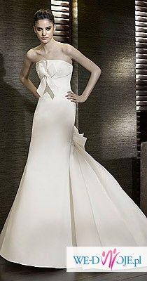 Bardzo elegancka suknia od hiszpańskiego projektanta, model z 2011