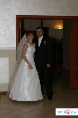 Bbiała suknia ślubna z kolekcji Gala 2008