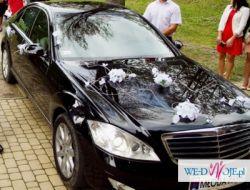 Biała dekoracja auta