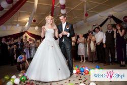 Biała jednoczęściowa suknia ślubna 36