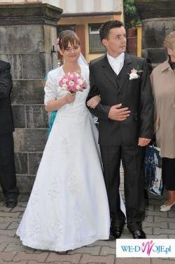 Biała jenoczęściowa suknia ślubna w rozmiarze 36/38