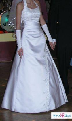 Biała sukienka kupiona w salonie