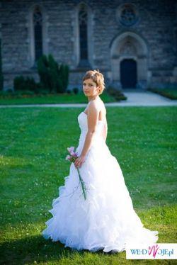 Biała suknia Cosmobella