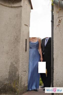 Błękitna suknia ślubna