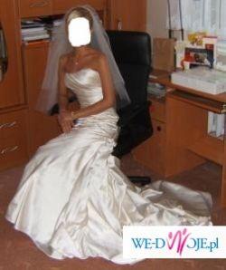 Boska suknia Fanal z salonu Madonna