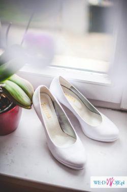 Buty ślubne-białe rozm.39