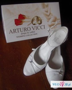 Buty ślubne diamencik