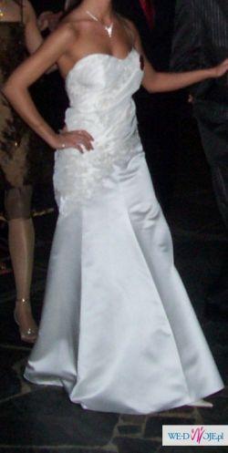 Cudowna suknia w kolorze ecru