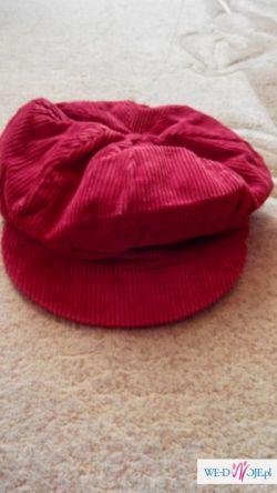 Czerwona sztruksowa czapka