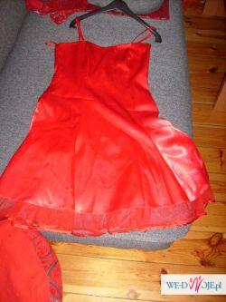 Czerwona zwiewna śliczna sukieneczka dla ciebie
