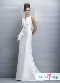 Elegancka i prosta suknia Jesus Peiro 104