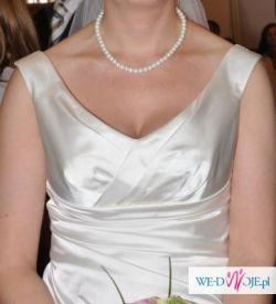 elegancka suknia ecru