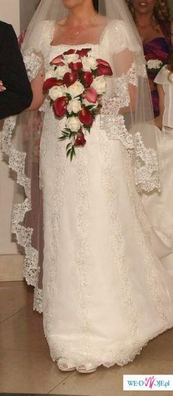 Elegancka suknia hiszpanska BALSAMO San Patrick z dlugim welonym