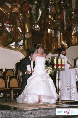 ELEGANCKA suknia ślubna Classa C 404 wraz z dodatkami (kolor ecru)