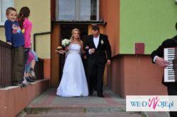 Elegancka suknia ślubna firmy Emmi Mariage